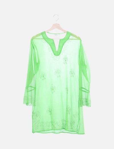 Vestido de gasa verde bordado