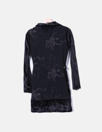 Vestido negro combinado bordado
