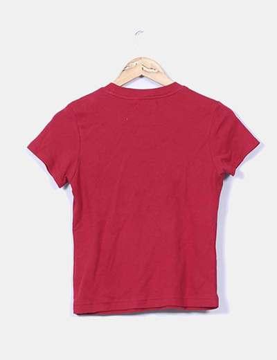 Camiseta roja detalles punk