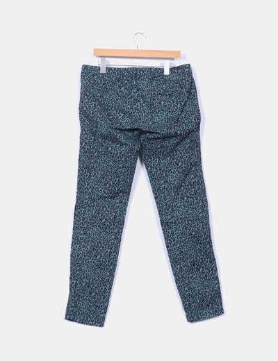 Pantalon verde estampado animal print