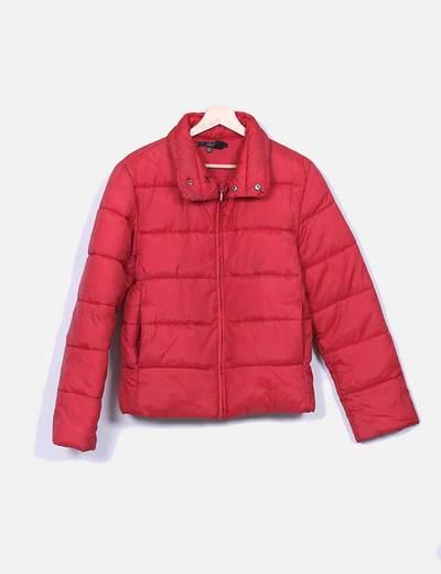 Chaqueta roja acolchada Zara