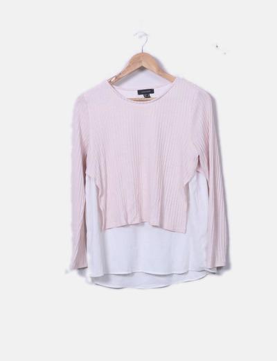 Blusa blanca con tricot rosa palo