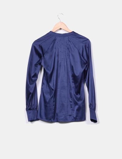 Camisa azul sedosa