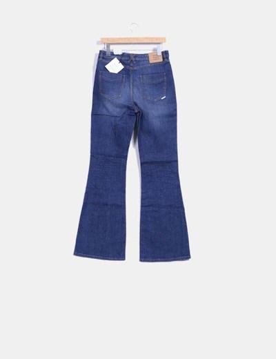 Jeans oscuro pata de elefante