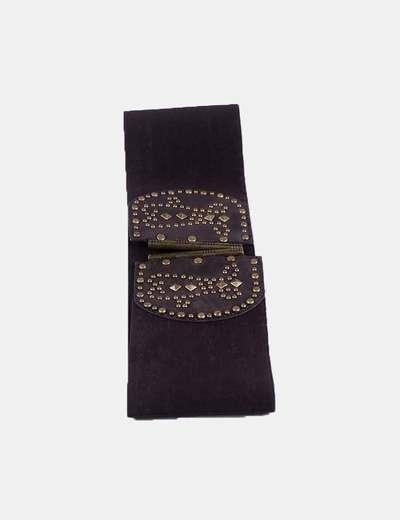 Cinturón elástico marrón con tachas