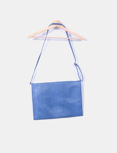 Bolso azul texturizado animal con tachas