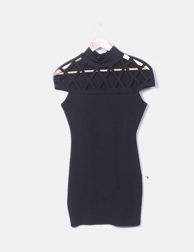 Vestido negro con cruzados en el pecho