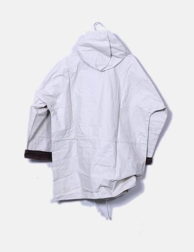 Gabardina beige impermeable