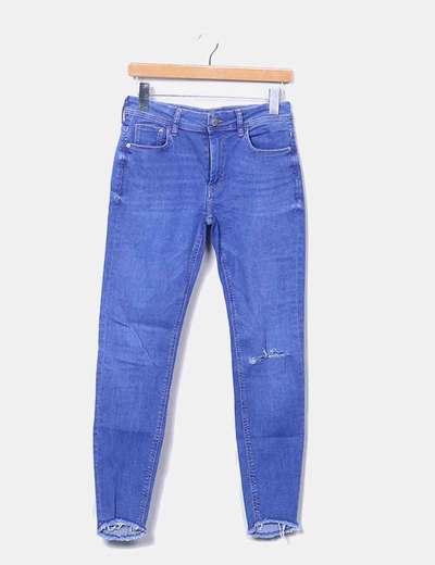 Jeans recortado baixo tiro Bershka