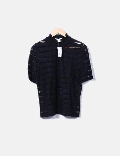 Camiseta negra troquelada H&M