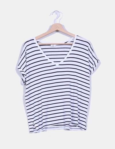 Camiseta básica de rayas negras y blancas Zara