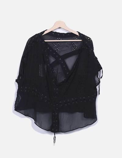 Blusa negra de seda
