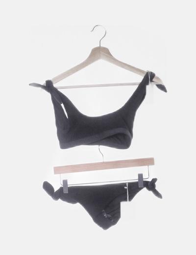 Conjunto bikini negro fruncido