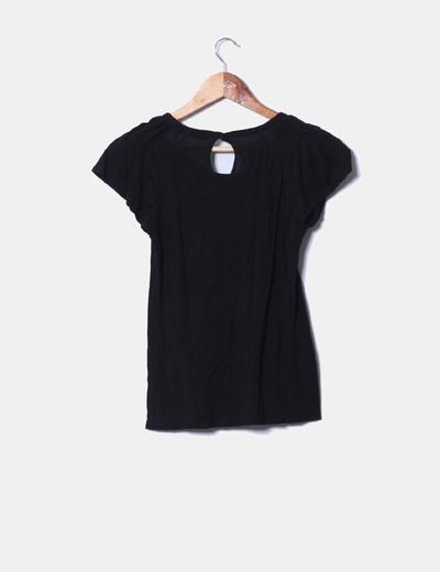 Camiseta negra de tablas
