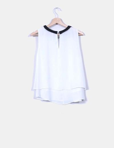Blusa blanca cuello bebe