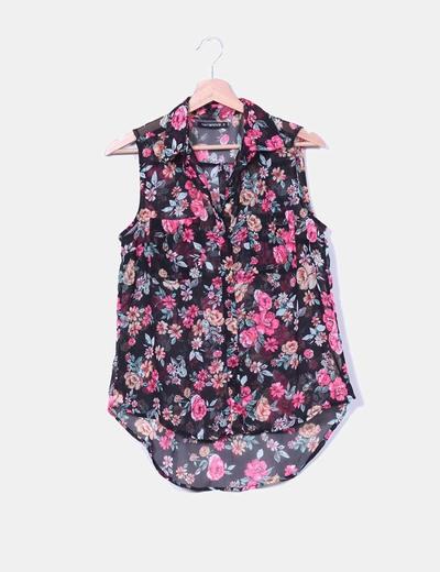 Blusa negra print floral Terranova