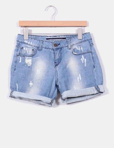 Shorts vaquero efecto desgastado con rotos Zara