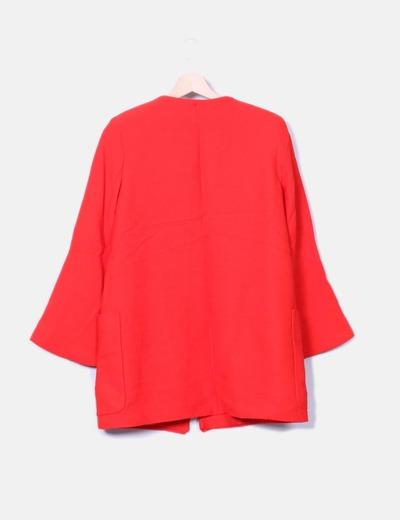 Levita texturizada roja mangas campana