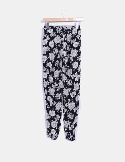 Pantalon bicolor con estampado floral