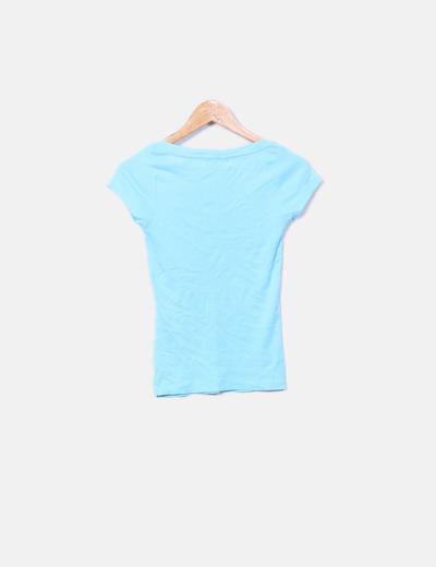 Camiseta azul cuello pico
