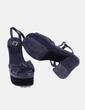 Sandalia de tacón negro combinado Zara