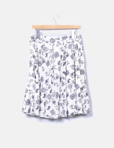 Falda midi floral con vuelo