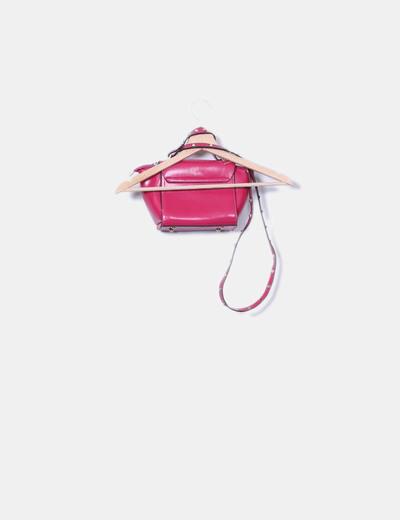 Bolso rosa con tachas