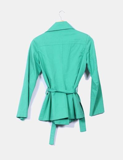 Chaqueta verde con cinturon
