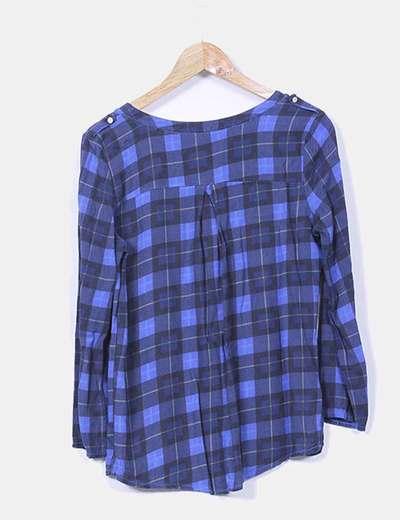 Blusa azul de cuadros