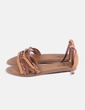 Sandalia marrón trenzada Mustang