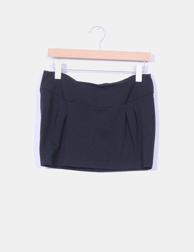 Mini falda negra cremallera trasera Lefties