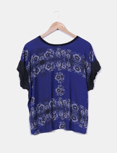Blusa de raso azul con estampado floral Pull&Bear