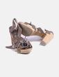 Sandalia marrón con tachas Mustang