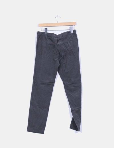 Pantalon baggy texturizado gris oscuro detalle pinzas