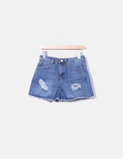 Short bleu en jeans déchiré Boohoo