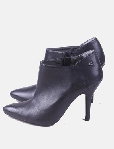 Mustang ankle boots