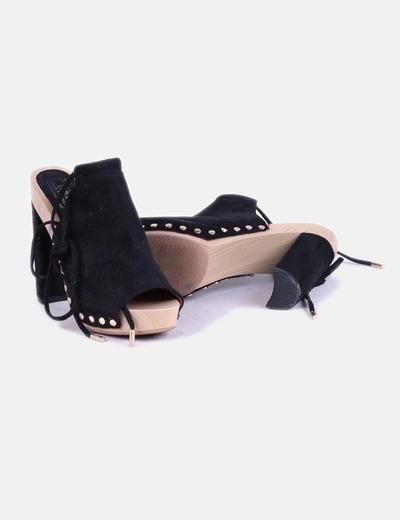 Sandalia destalonada ante negro lace up