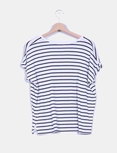 Camiseta basica de rayas negras y blancas