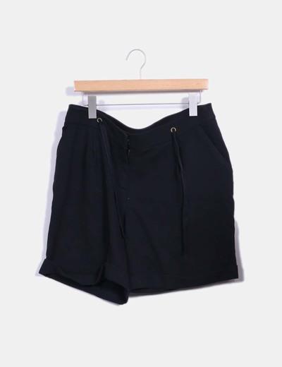 Pantalón corto negro Cortefiel