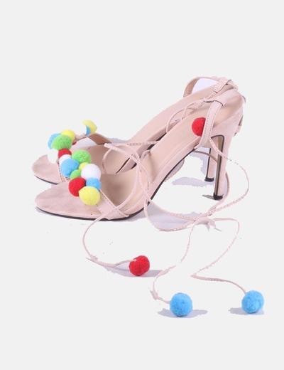 Sandalia rosa palo lace up con borlas
