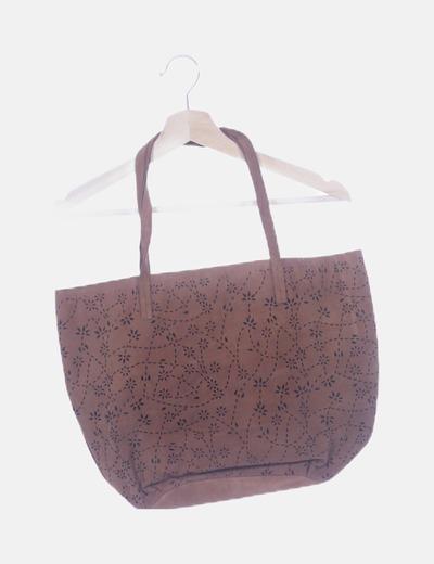 Bolso marrón shopper troquelado