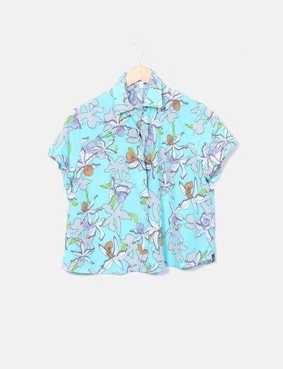 Camisa turquesa floral