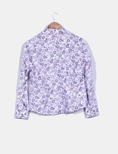 Camisa blanca print flores moradas