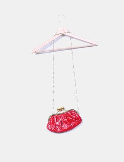 Mini bolso rojo de charol con gran cierre