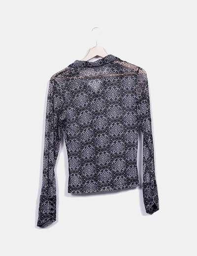 Camisa estampado gris y negro