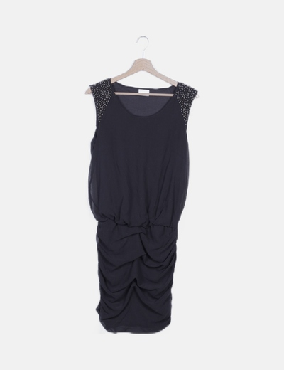 Vestido negro drapeado detalle abalorios