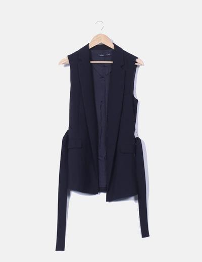 33690c7d9fcc2 Zara Chaleco negro largo con cinturón (descuento 71%) - Micolet