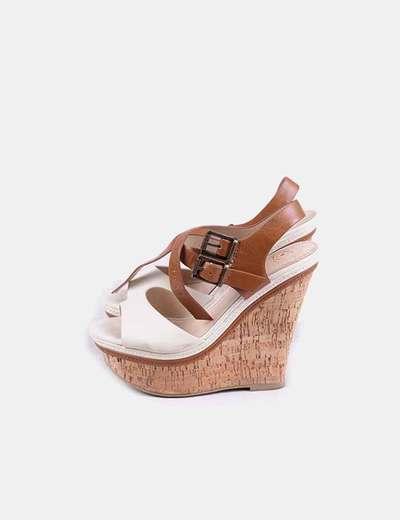 Chaussures à scratch