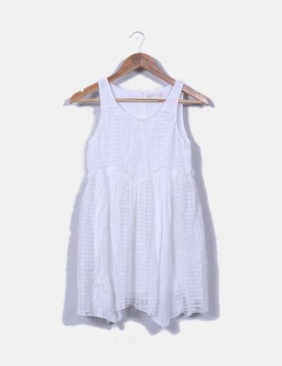 Vestido blanco con bordados zara