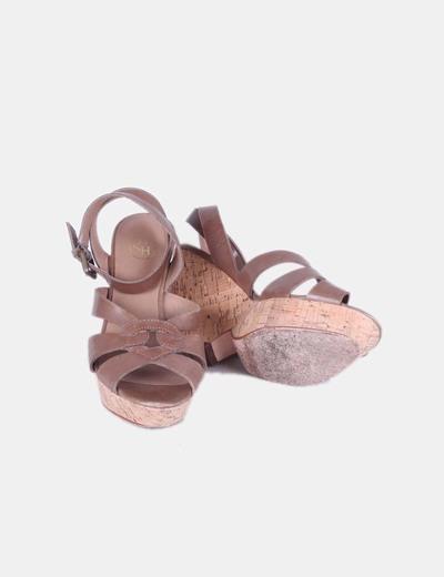 Sandalia marron cuna de caucho